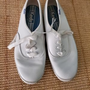 Keds size 6.5 oxford leather
